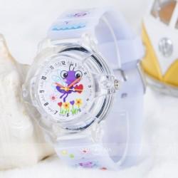 Beyaz Silikon Kordon Çocuk Kol Saati ST-303830...