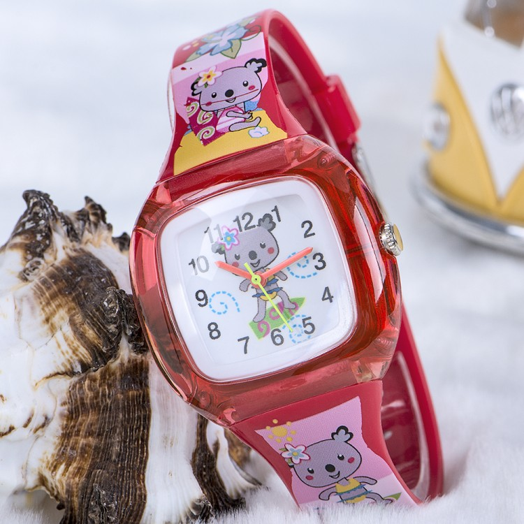 Koala Junior Temalı Kırmızı Renk Silikon Kordonlu Çocuk Saati