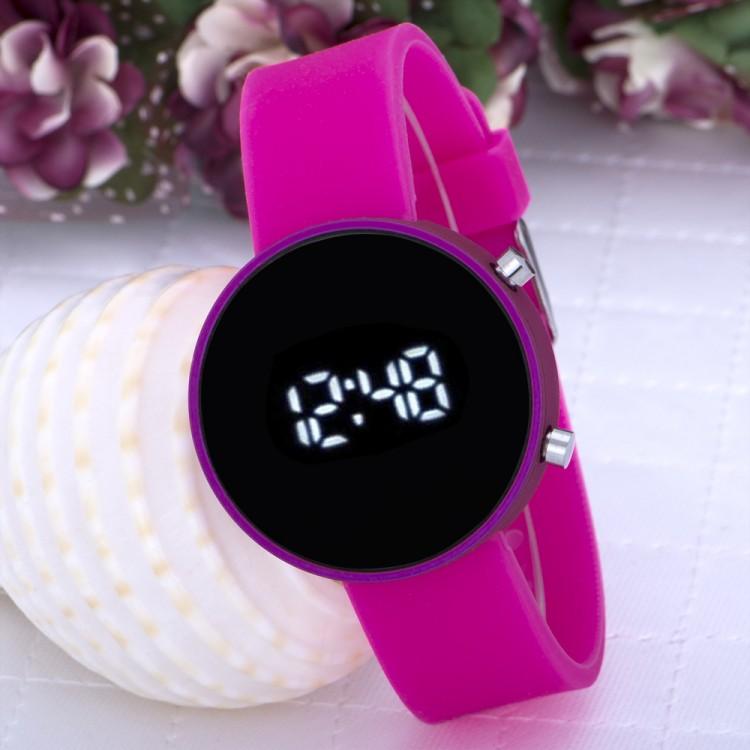 Pembe Renk Silikon Kordonlu Dijital Led Ekran Bayan Saat
